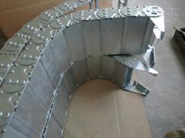 全封闭式电缆保护钢铝拖链