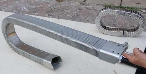 斜接头矩形金属软管