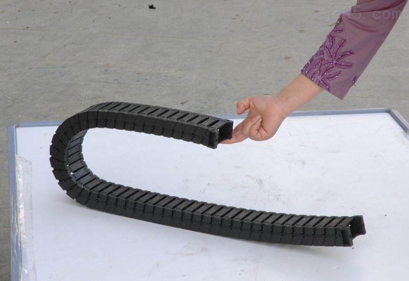 消音型工程塑料拖链