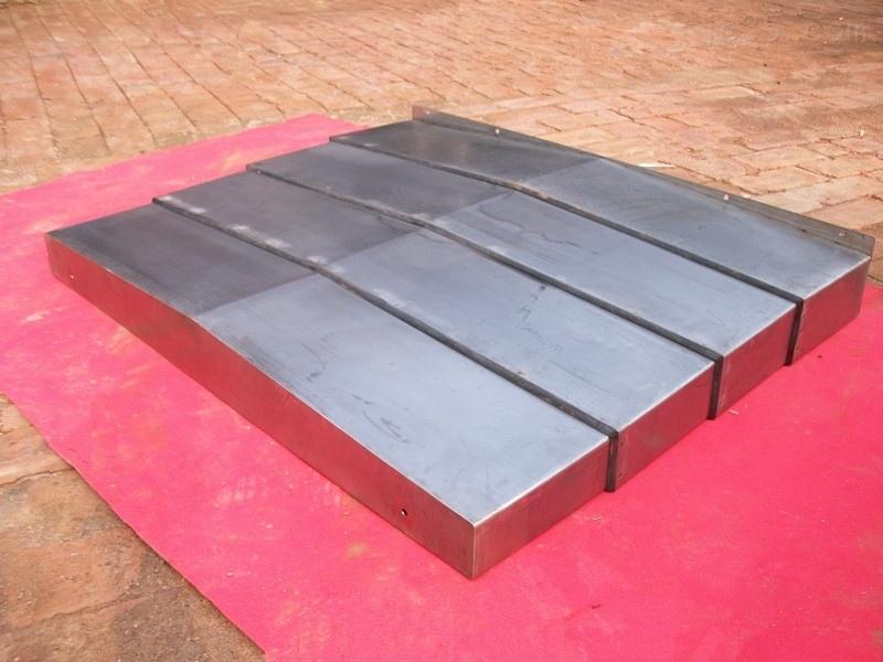 切割机导轨钢板防护罩