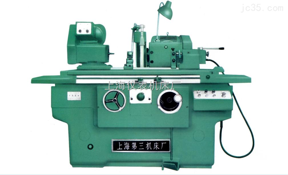 MB1320半自动外圆磨床机床的工作台纵向有液压和手动两种方式,砂轮架和头架可回转,头架和主轴也可转动砂轮架可实行微量进给。液压系统采用了噪音小,输油平稳的螺杆泵 MB1320半自动外圆磨床改进设计的主要特点是: 1 .增加抖动装里,使工作台获得短距离频繁换向功能,从而提高切入磨时工件的表面质量 2 .尾架套筒采用无 间隙镶钢套密珠滚动轴承形式,从而提高工件的支承刚性及尾架的使用寿命。 3 .全面贯彻 《 工业机械电气设备通用技术条件)电气元件操作安全可靠,维修方便。 MB1320半自动外圆磨床技术参数: