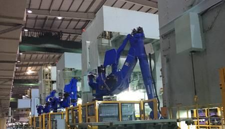 安川首钢自主集成机器人冲压搬运生产线稳定量产
