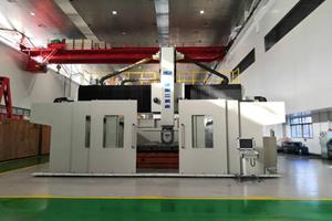 華中數控與濟南二機床集團有限公司合作生產的高架式龍門五軸加工中心應用于航空航天制造領域