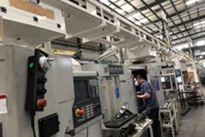汽車發動機曲軸磨削,華中數控與內江金鴻曲軸有限公司批量生產數控磨床
