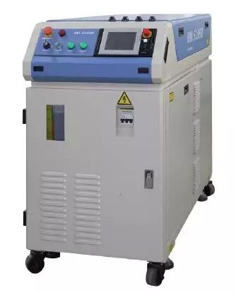 大族激光为本次展会带来了:pb300ce激光焊接机(配w-pcts221工作台)